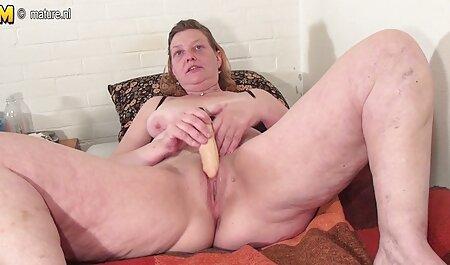 BBW Ebony porno film gratis sehen masturbiert