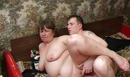 Riley Brooks deutsche pornos kostenlos anschauen - Eine Nymphomanin, die zwei Schwänze gleichzeitig verlangt!