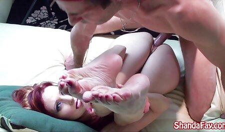 Kaiya lässt kostenlose pornos zum angucken den Ball fallen