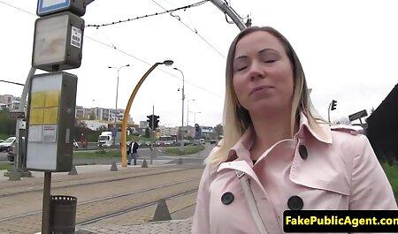 Sexy Mädchen kostenlos pronos anschauen masturbiert vor der Kamera (2)