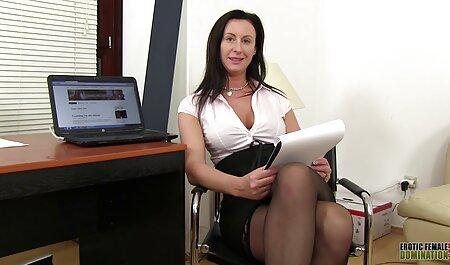 Amateurspaß im Wohnzimmer pornos gucken gratis