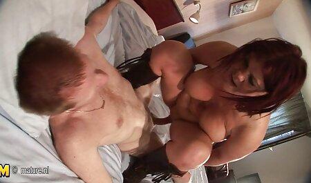 Er findet sie masturbierend privat pornos kostenlos ansehen und bietet seinen Schwanz an